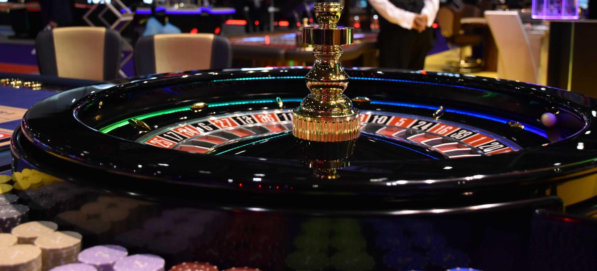 В каком казино играют на рубли доминатор игровые автоматы онлайн